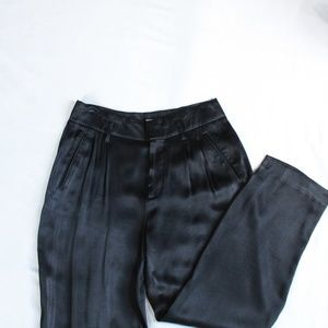 NWOT Gap Silky Pleated Trouser